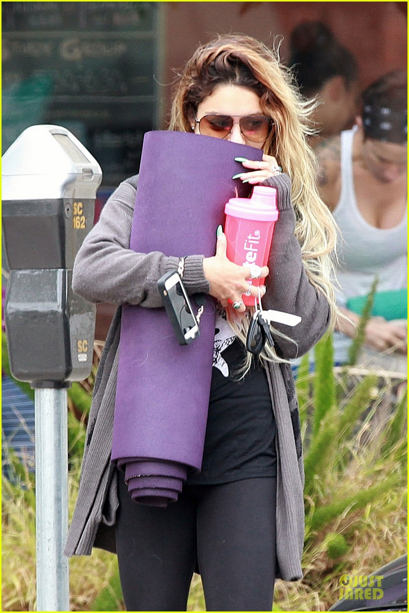 vanessa hudgens stella get fit with mr skellington 103130464
