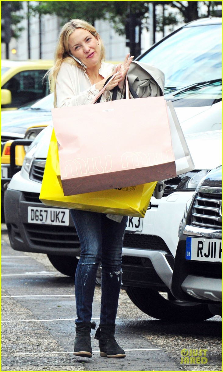 kate hudson matt bellamy shop til they drop 173125734