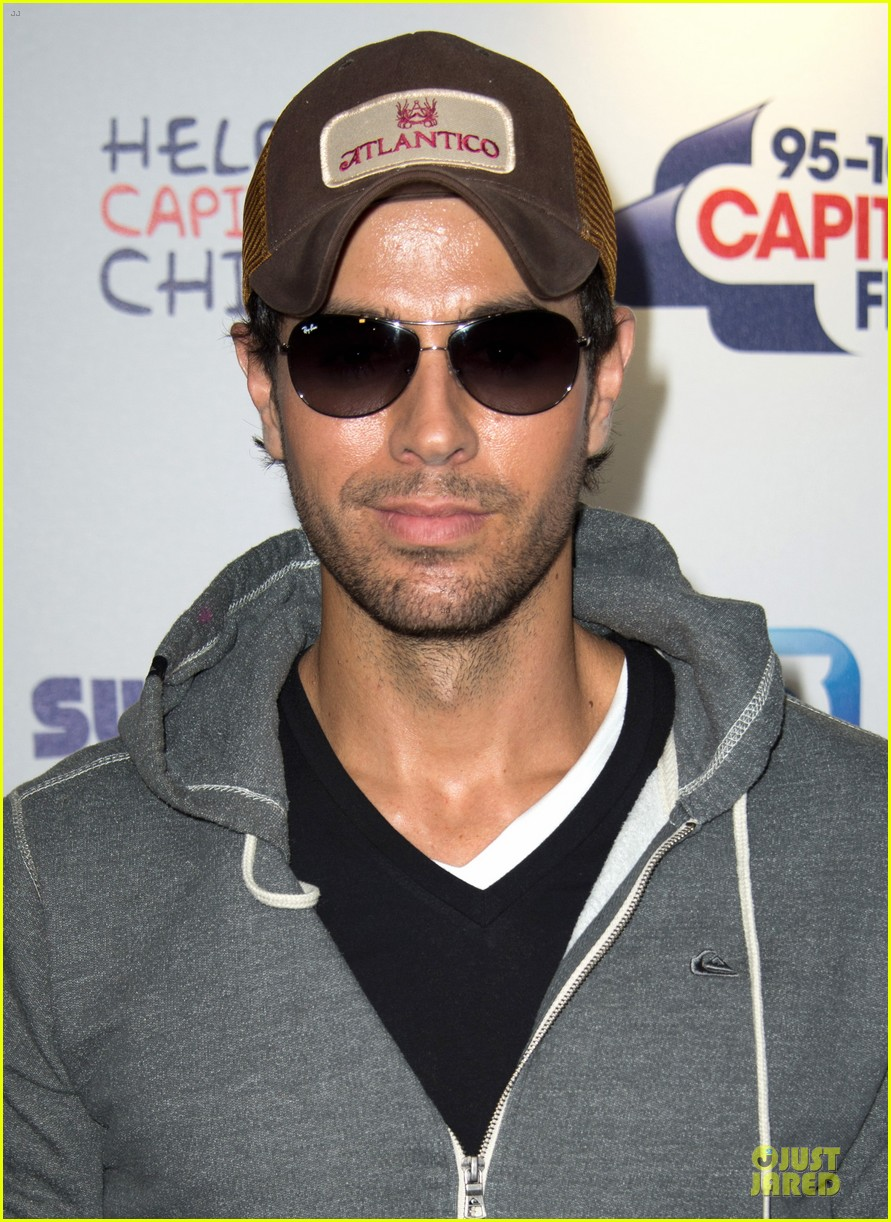 enrique iglesias wants bailando english video to get 100 milion views 123140494