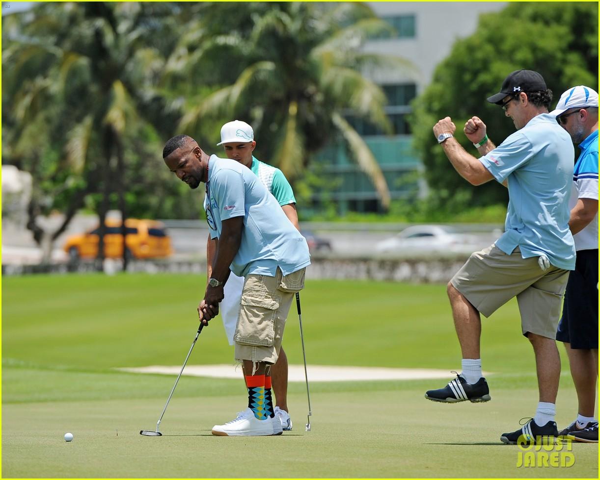 jamie fox dwyane wade celebrity golf tournament miami 06