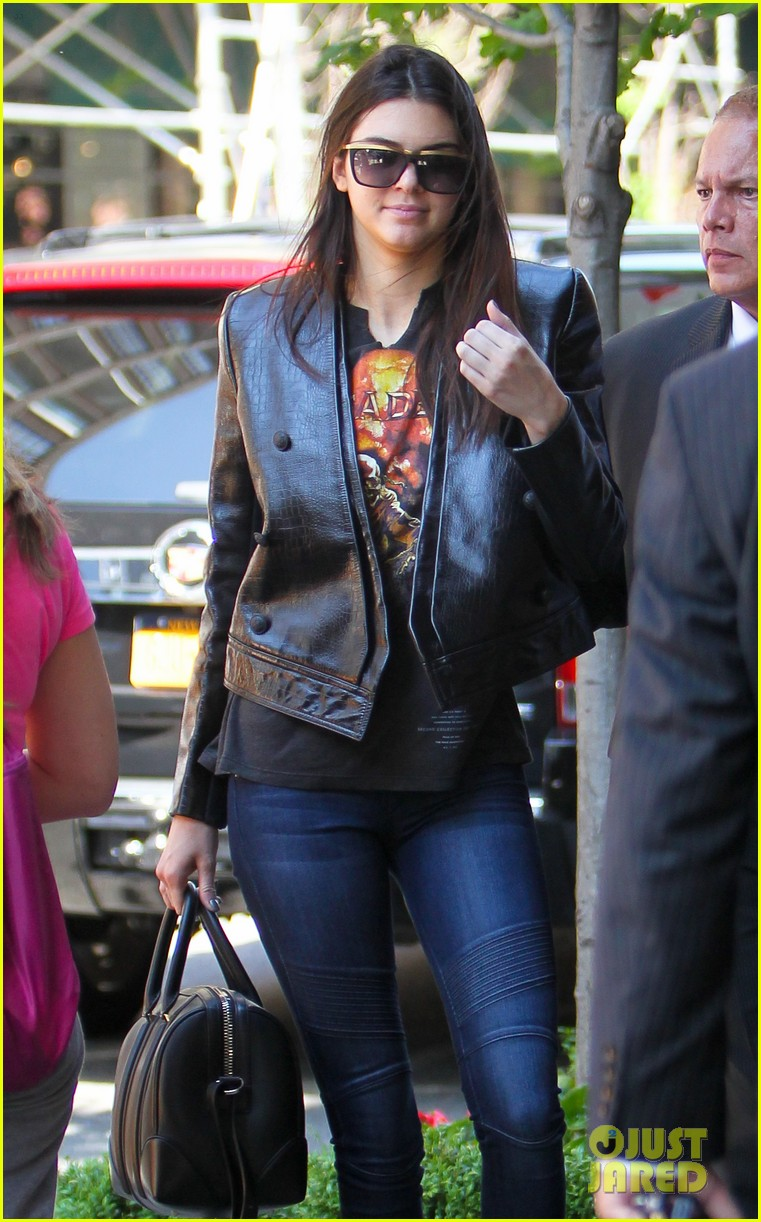 kendall kylie jenner hotel arrival exit nyc 013126689