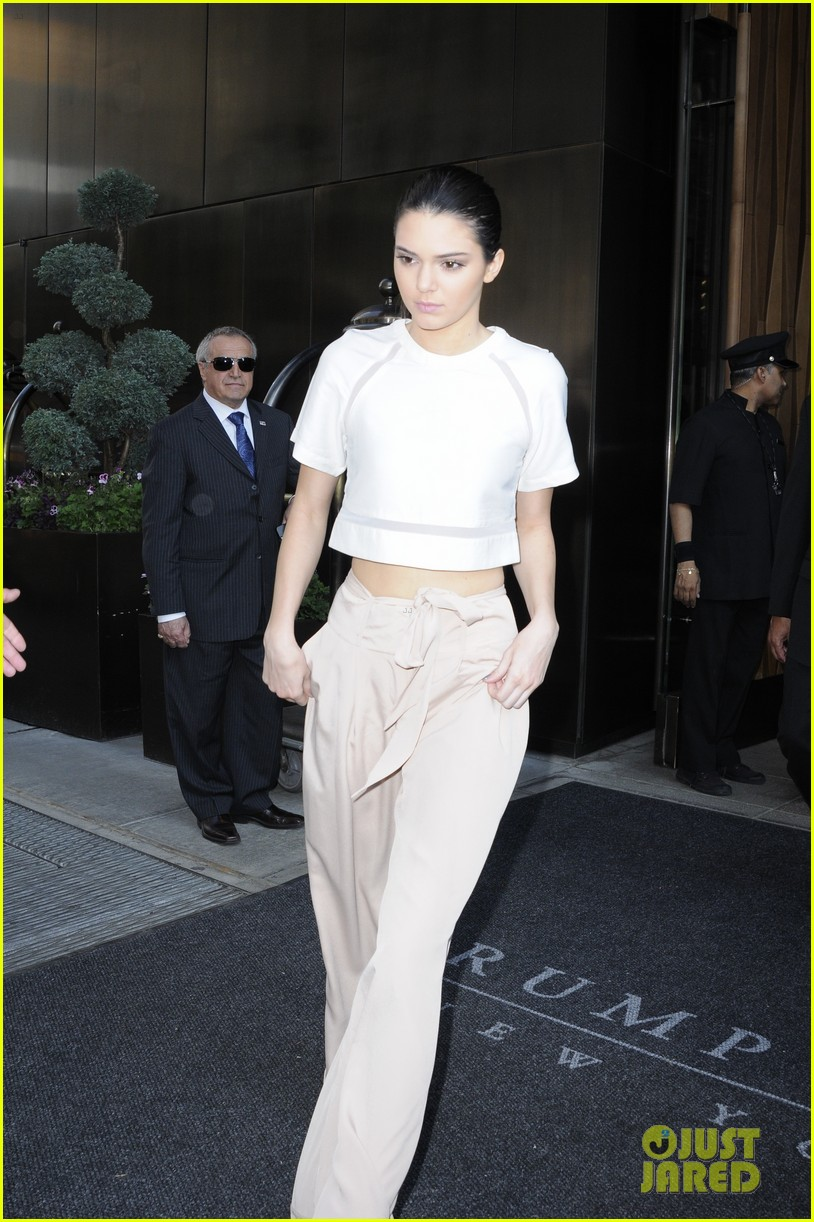 kendall kylie jenner hotel arrival exit nyc 07