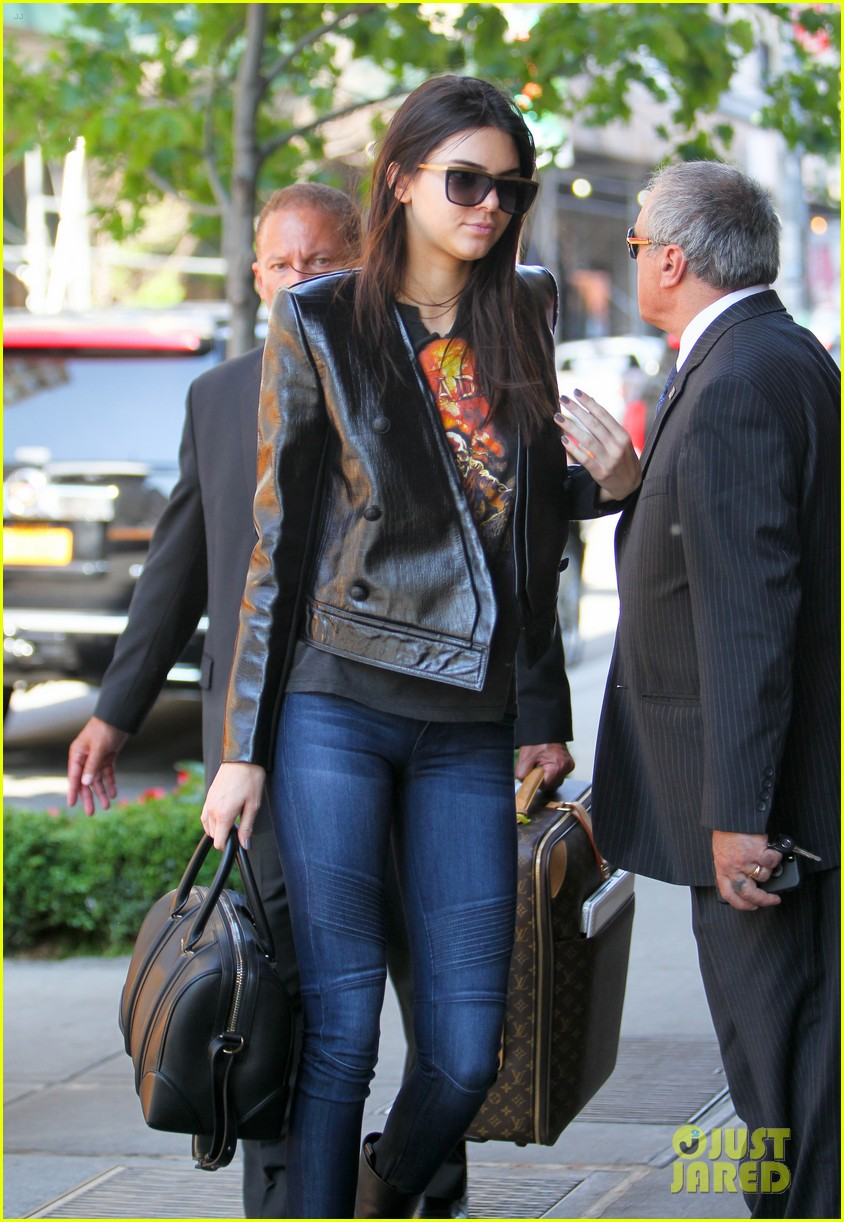 kendall kylie jenner hotel arrival exit nyc 14