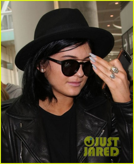 kendall kylie jenner arrive toronto for muchmusic video awards 043136634