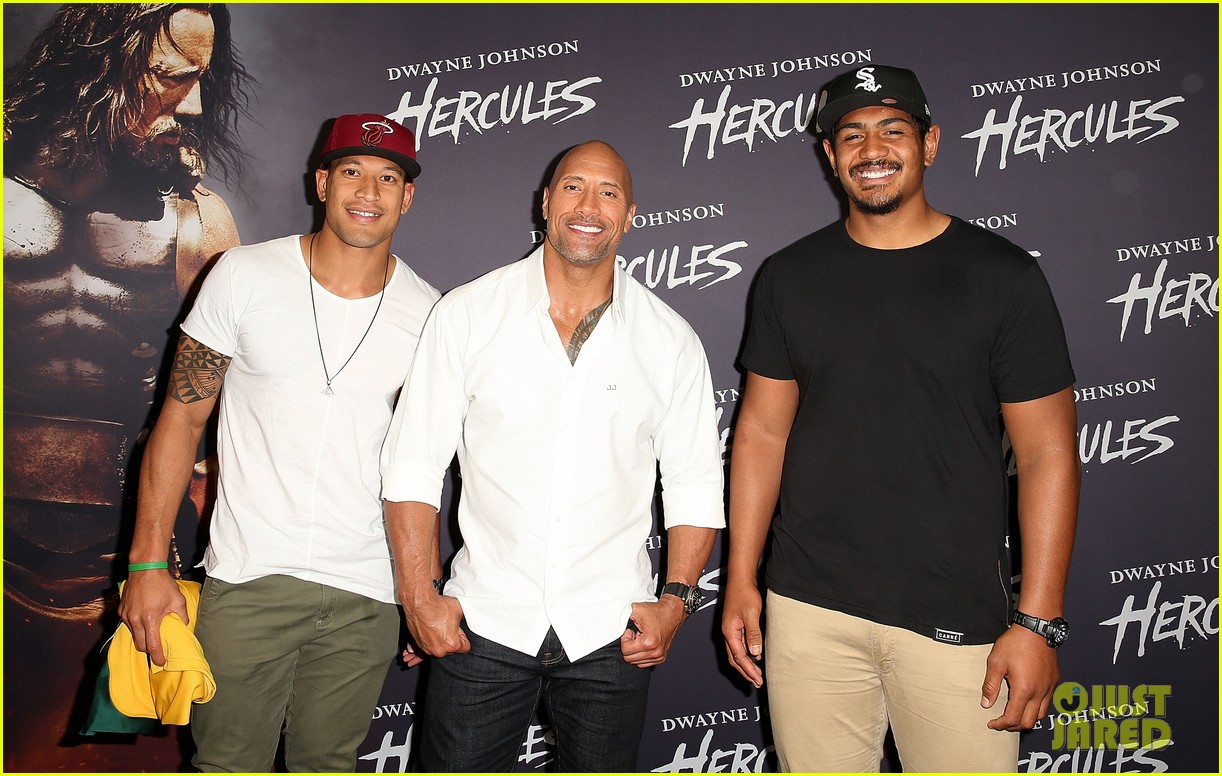 dwyane johnson presented with wallabies jersey at australian hercules screening 10