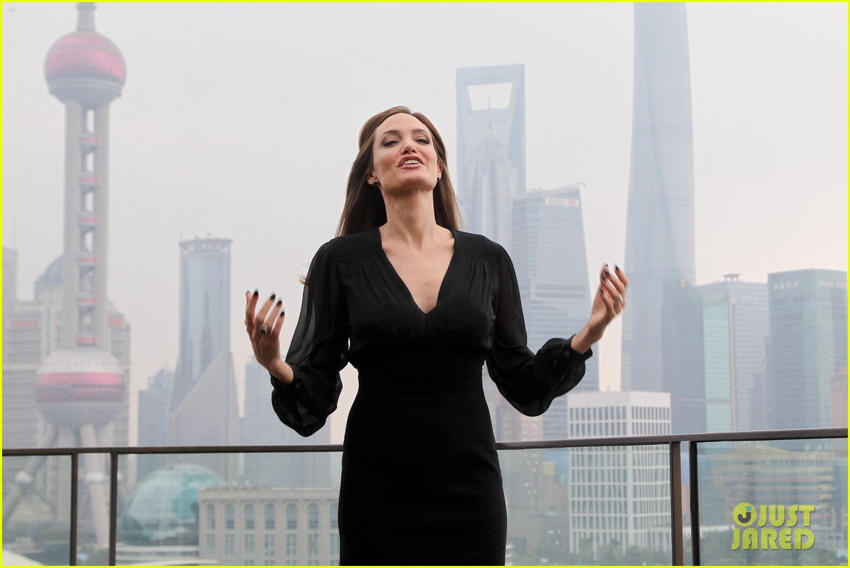 angelina jolie brings maleficent to china 27