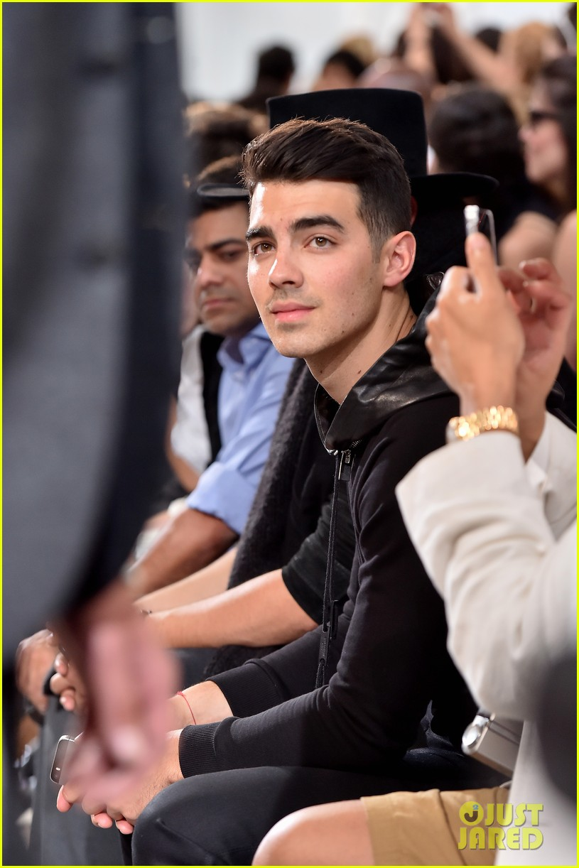 joe jonas milan fashion week 033140677