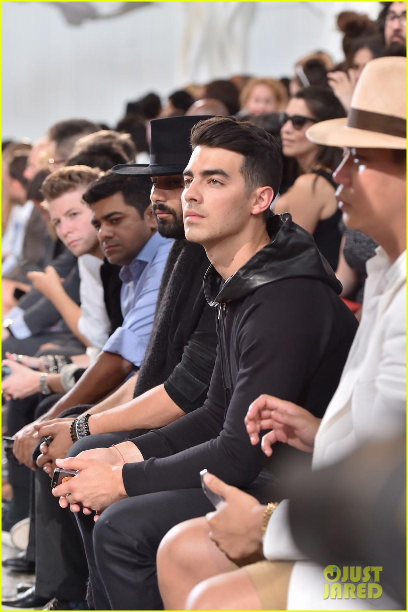 joe jonas milan fashion week 05
