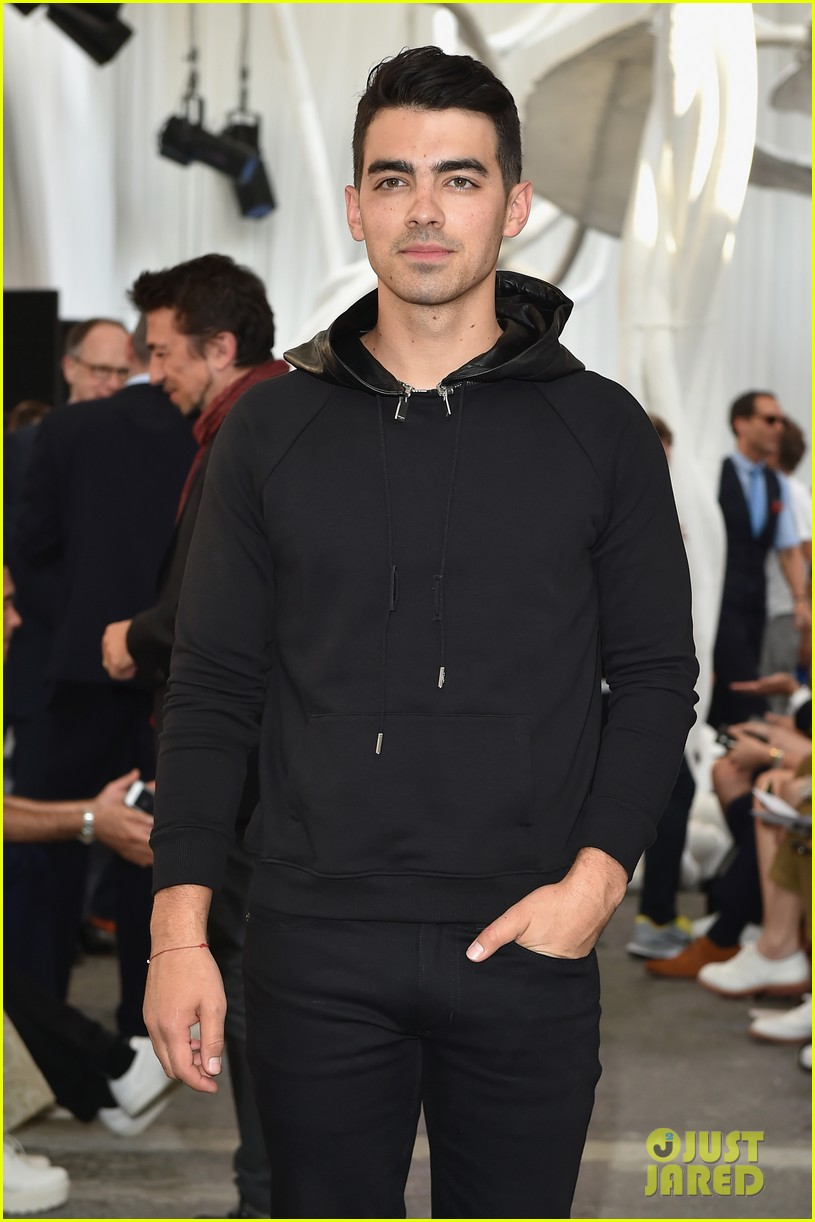 joe jonas milan fashion week 09