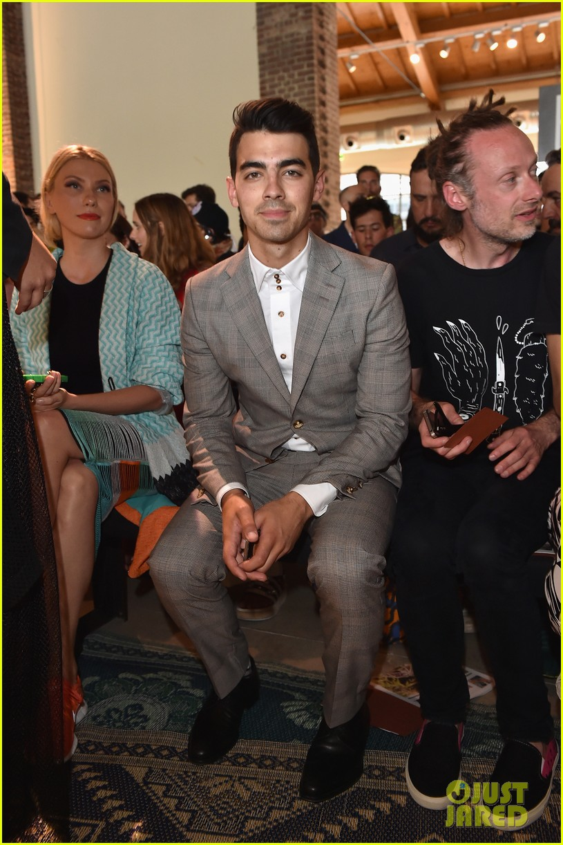 joe jonas milan mens fashion week missoni 013141274