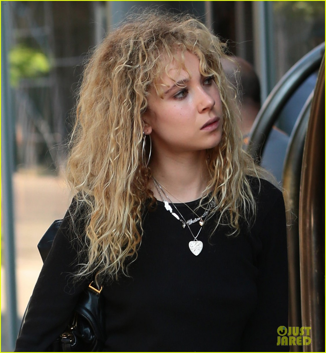 juno temple learning to lap dance liberating 013141808