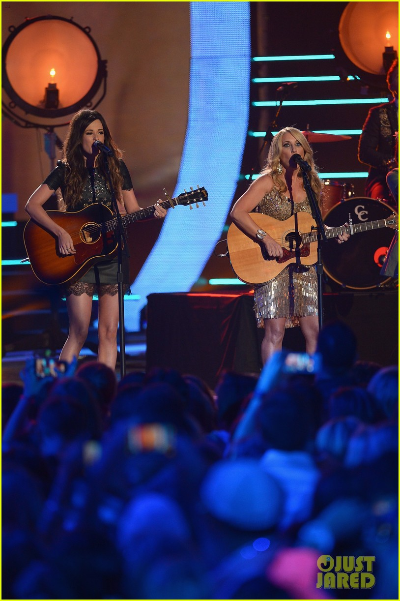 kacey musgraves livin on love cmt awards 2014 03