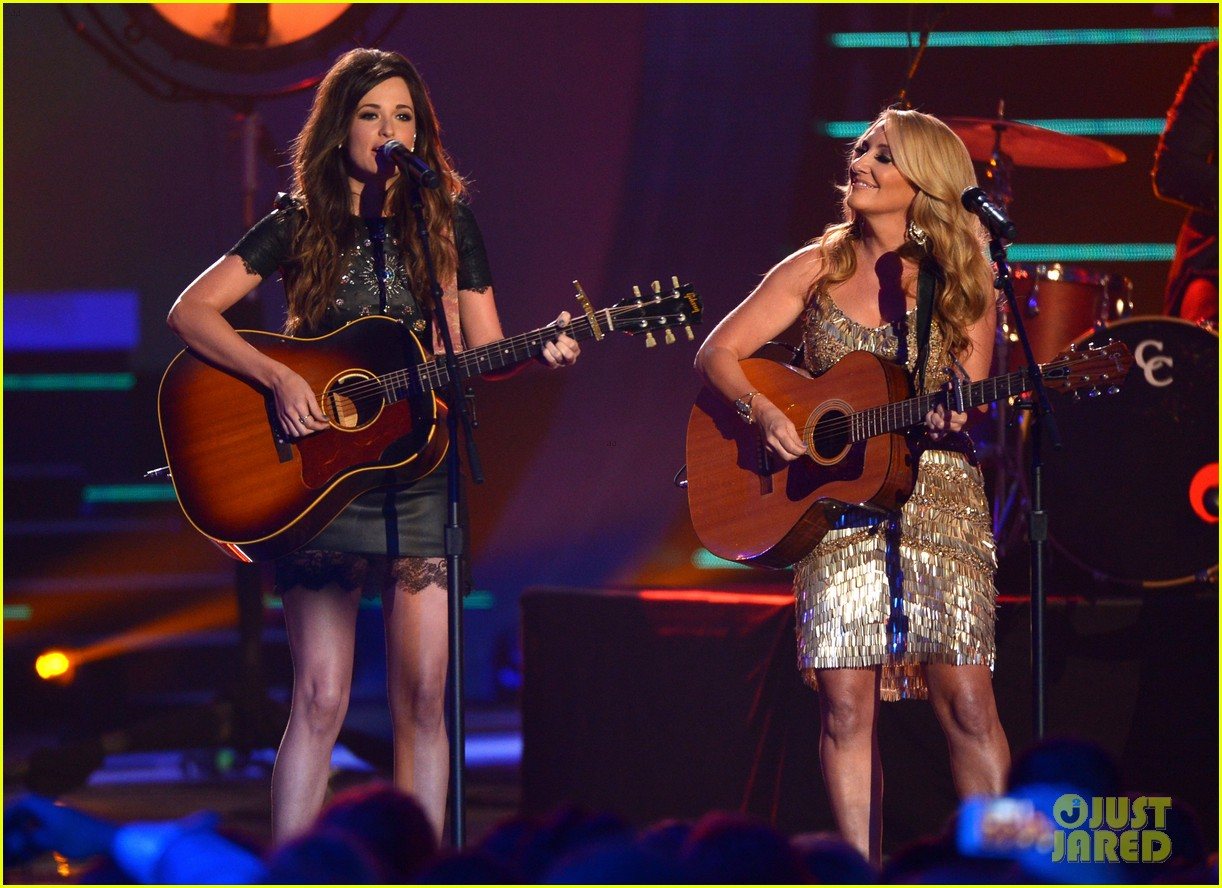 kacey musgraves livin on love cmt awards 2014 04