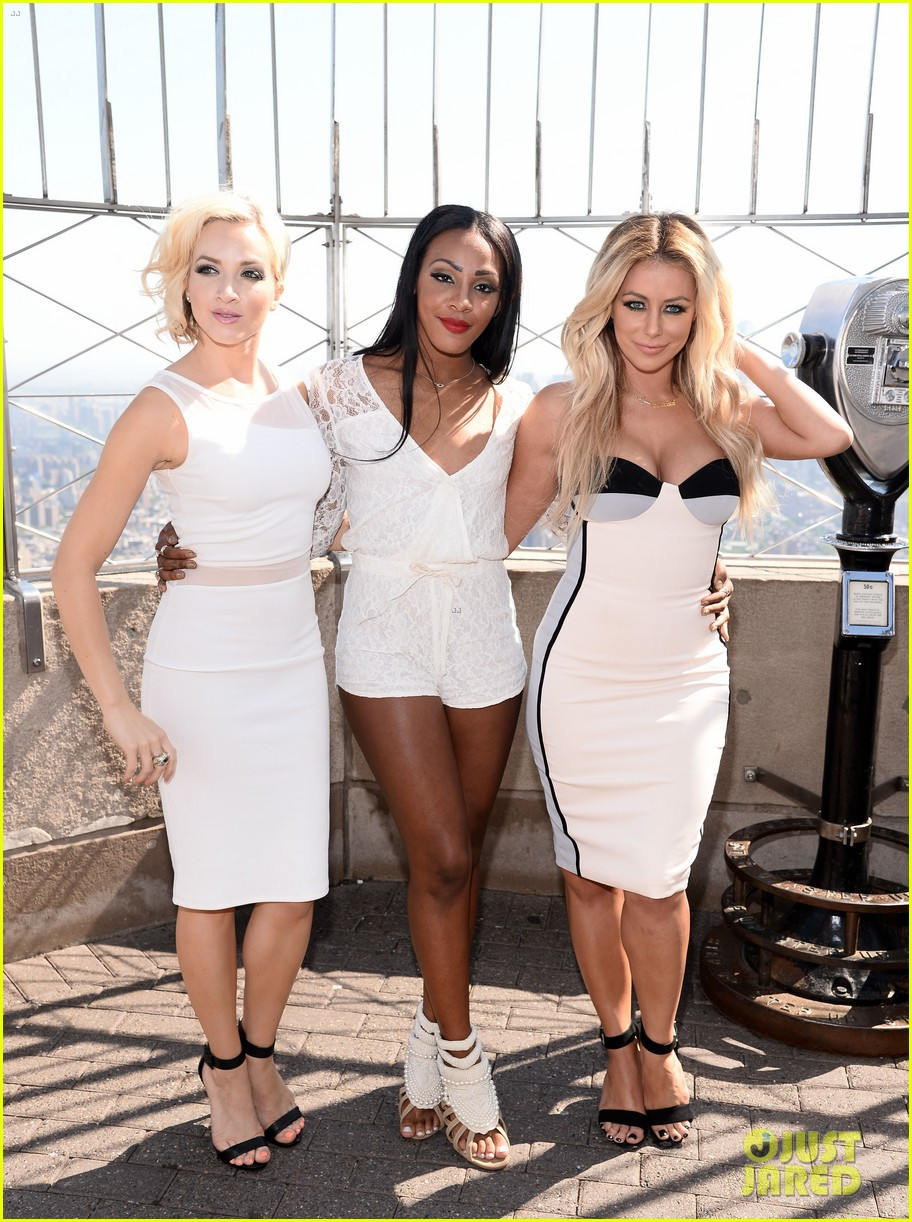 danity kane celebrate lemonade release at empire state building 083127297