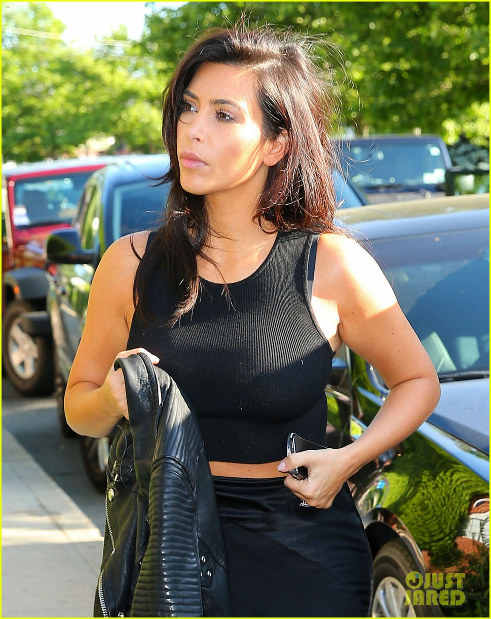 kim kardashian shopping for bigger new york city apartment 023145721