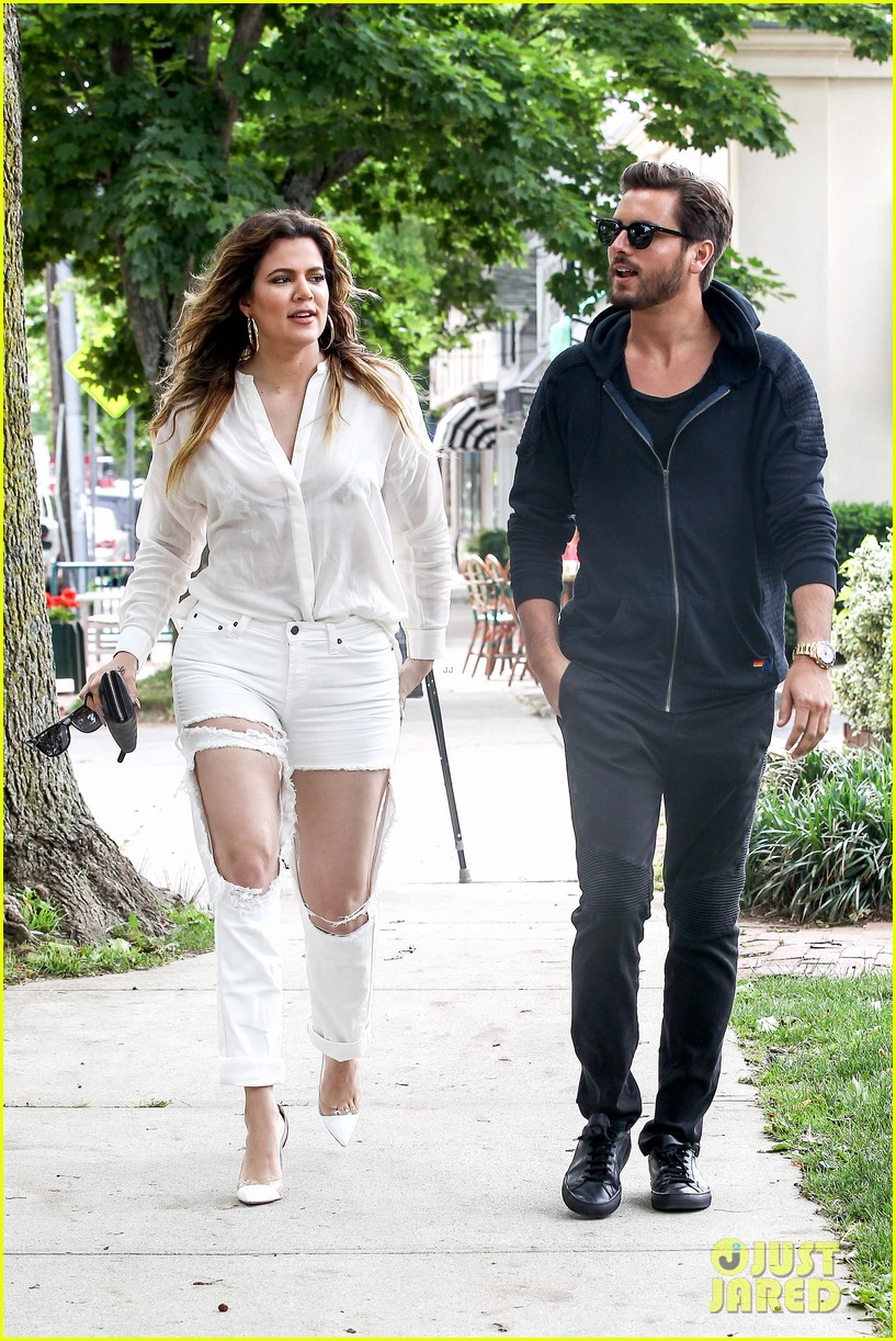khloe kardashian scott disick continue to bond without kourtney 07