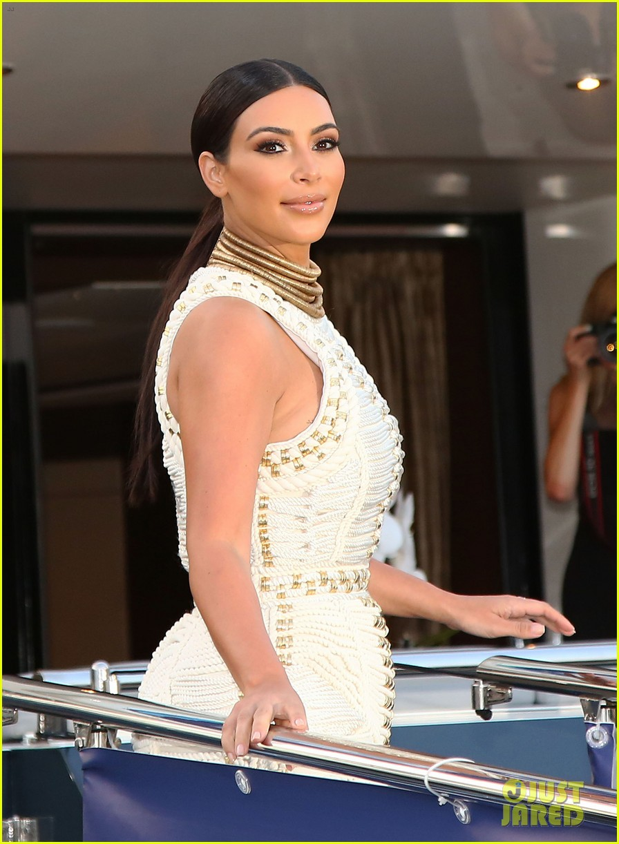kim kardashian shares video preview of new video game 023138251