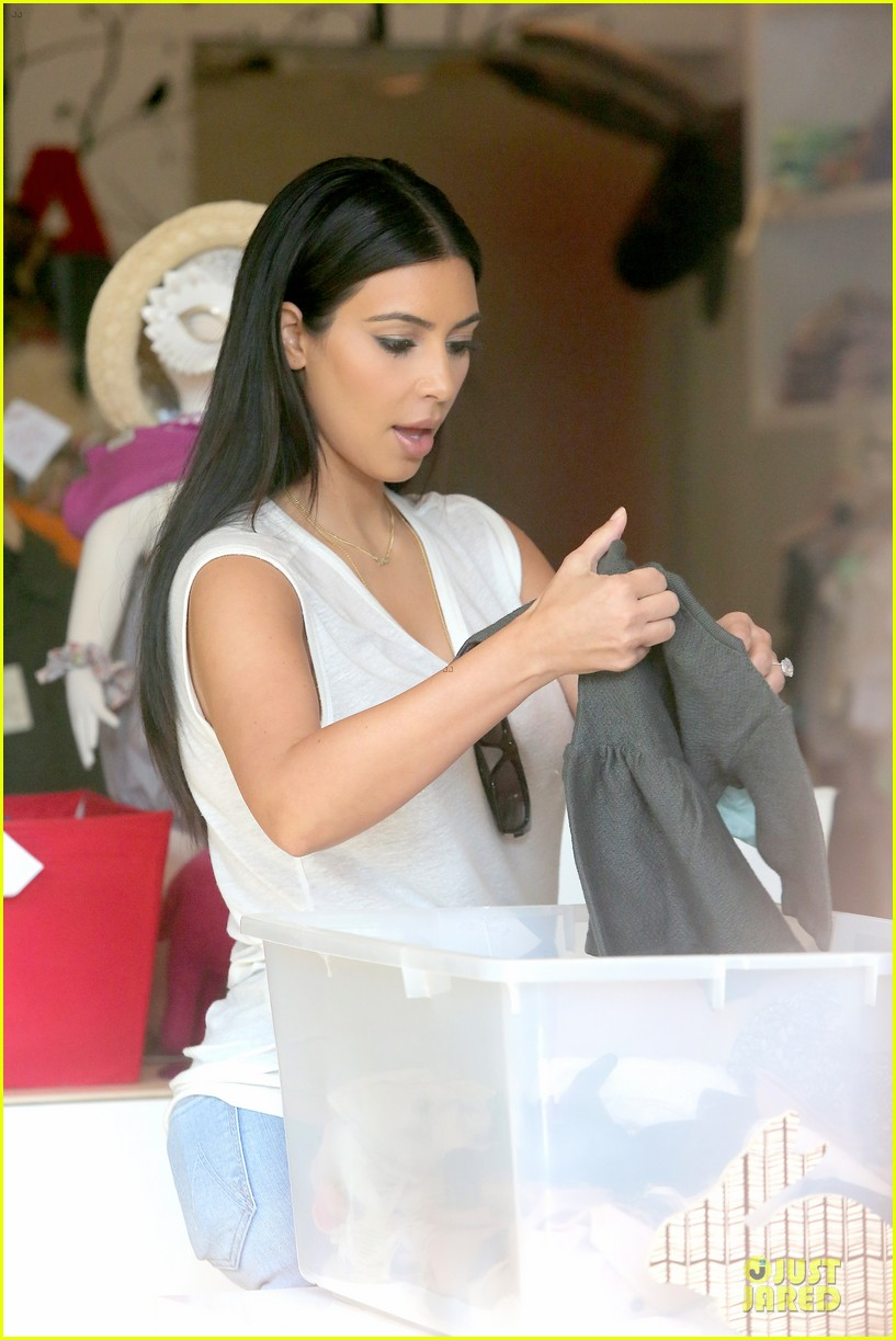 kim kardashian shops for north kourtney beach photoshoot 02
