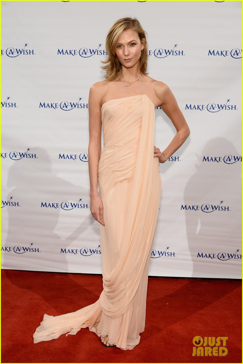 karlie kloss is a true angel at make a wish gala 063134667