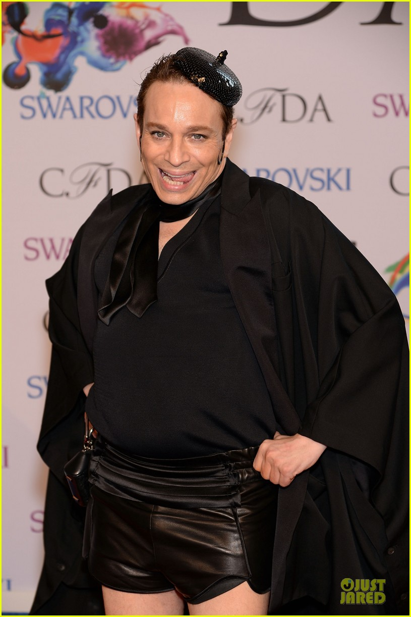 chris kattan channels mango at cfda awards 2014 02