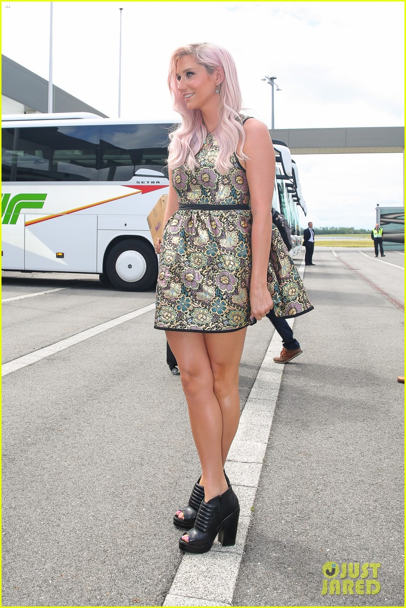 kesha jumps for joy after attending life ball in vienna 05