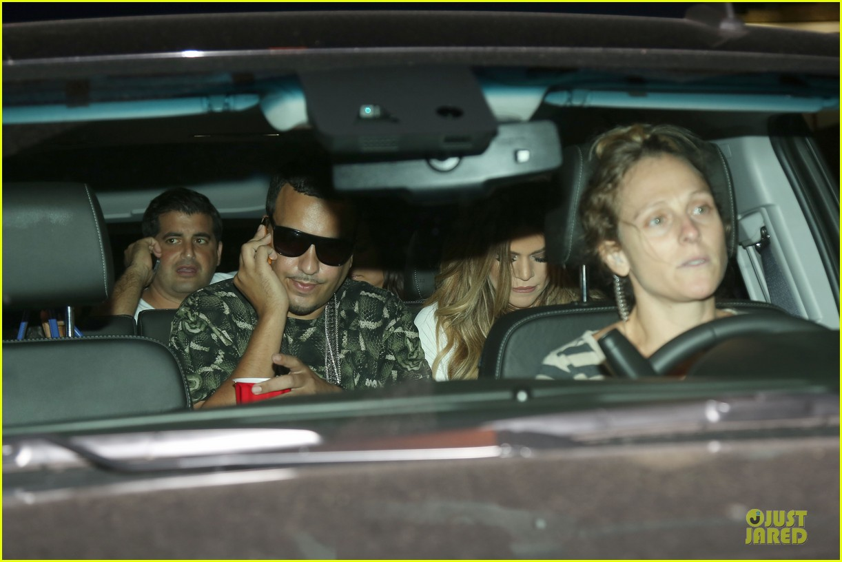 khloe kardashian white affair on 30th birthday dinner 02