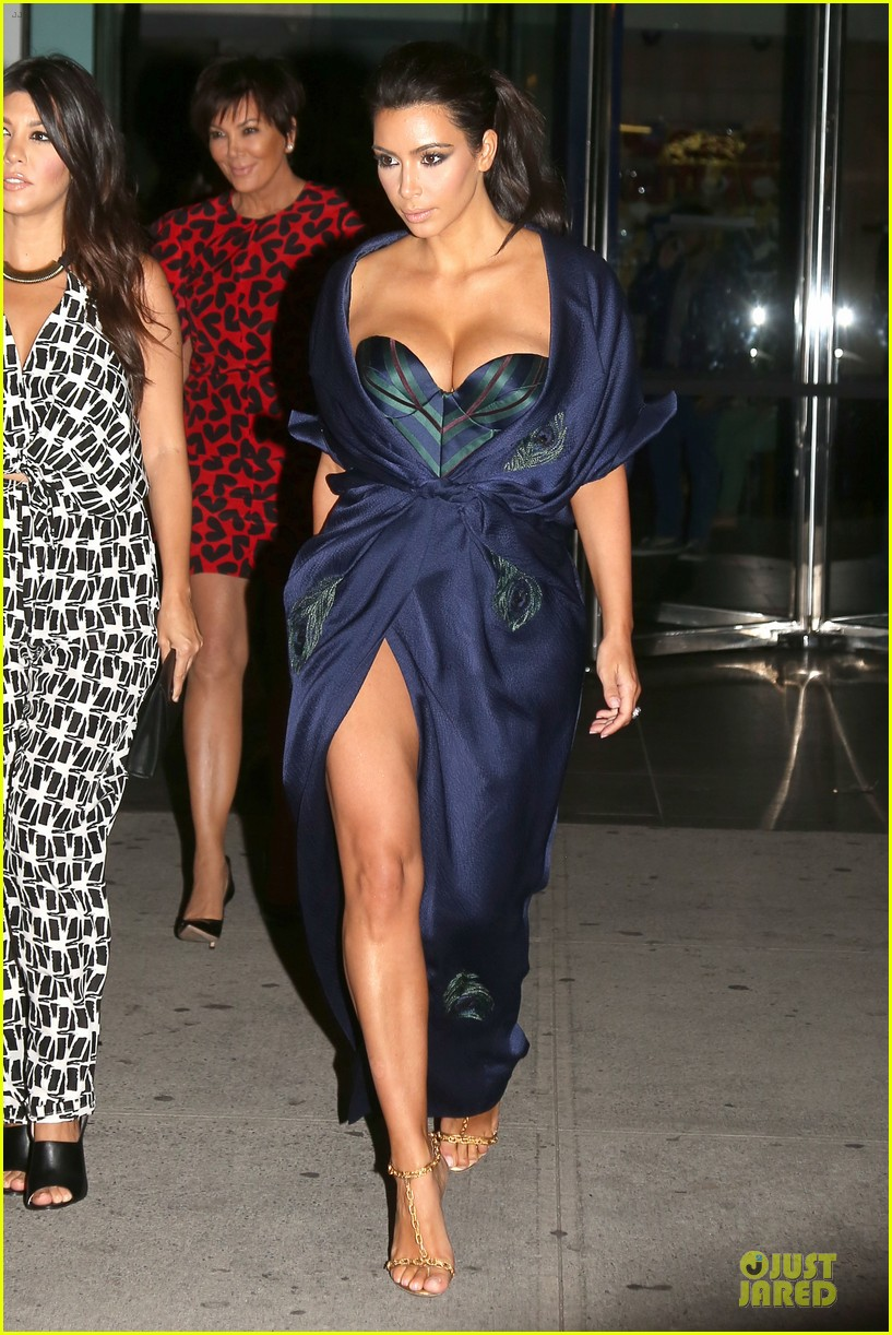 kim kardashian cleavage on full display for khloe birthday 163145144