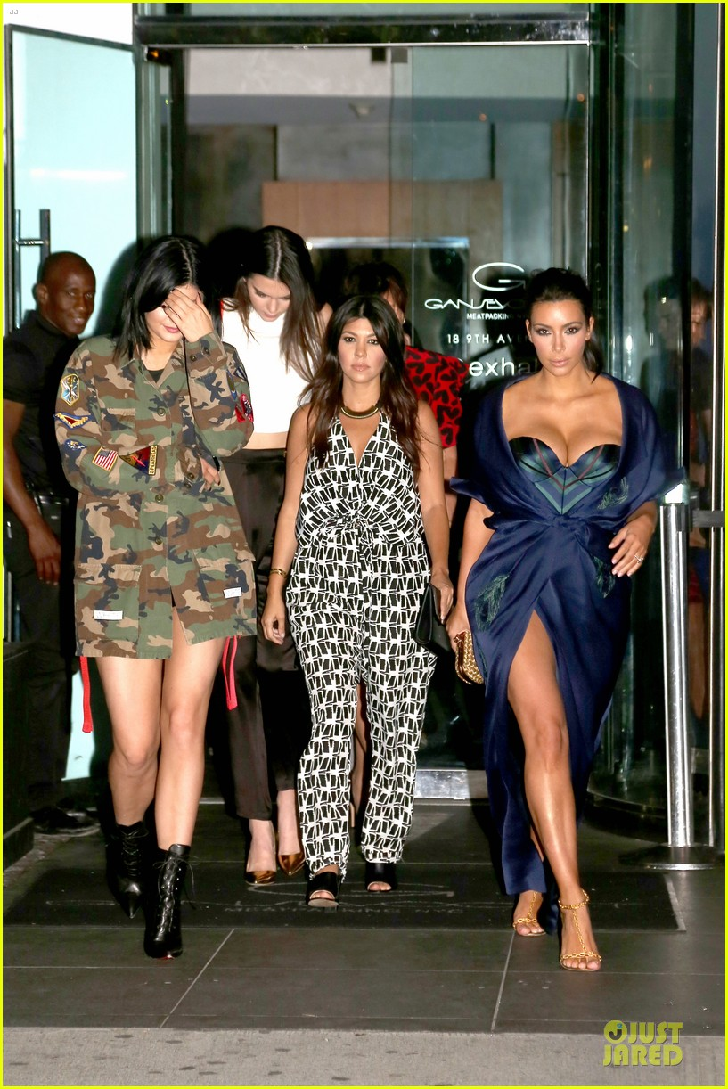 kim kardashian cleavage on full display for khloe birthday 23