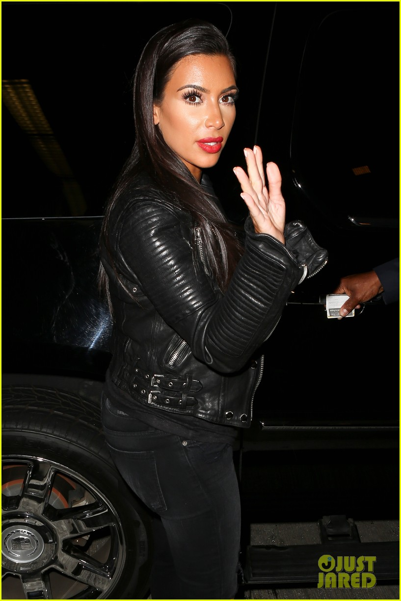 kim khloe kardashian take night flights out of lax 04