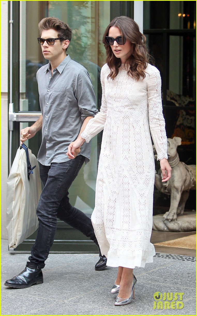 keira knightley james righton begin again premiere 23
