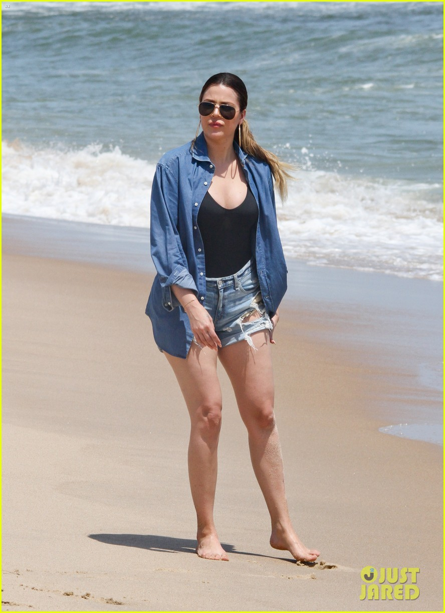 kourtney kardashian scott disick hit the beach breakup rumors 163138301