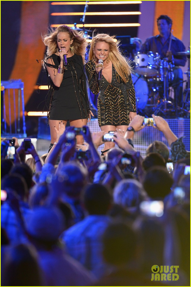 miranda lambert carrie underwood rock out cmt music awards 2014 05