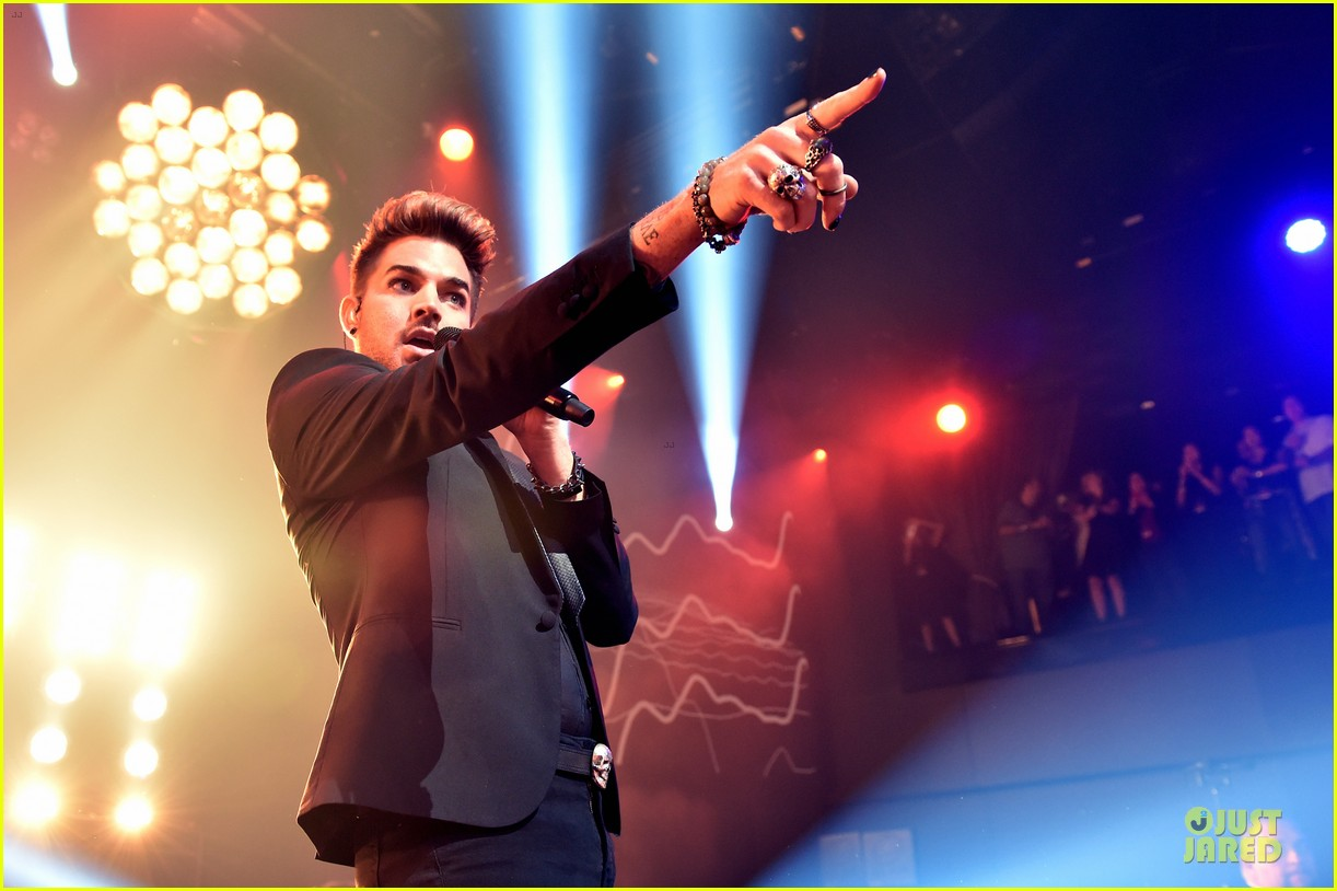 adam lambert queen tour at iheart radio theater 07