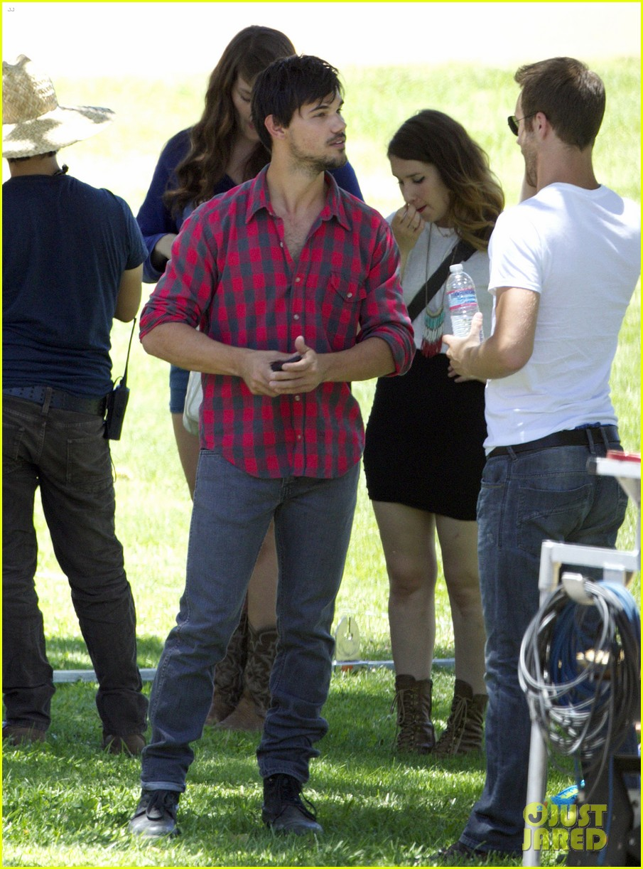 taylor lautner run the tide sexy 08
