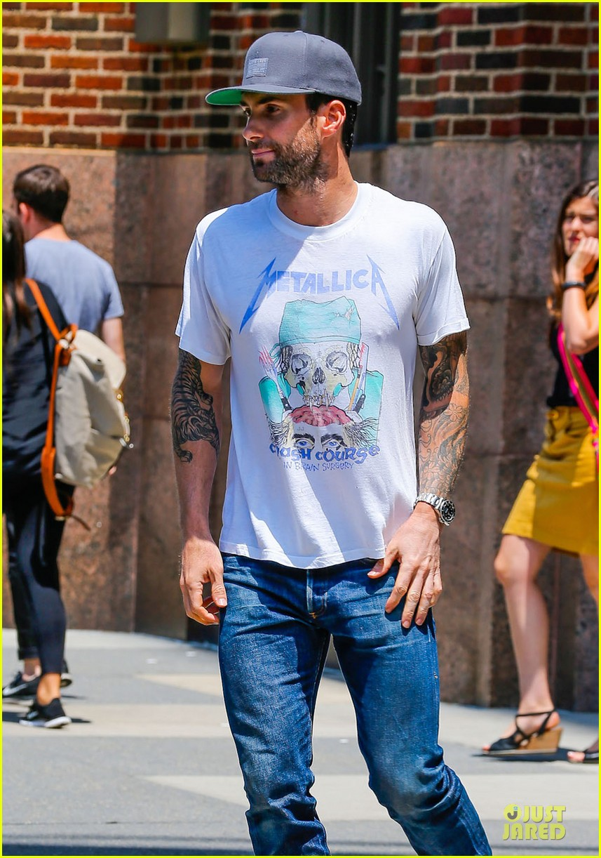 mark ruffalo is intimidated by adam levine 063145162