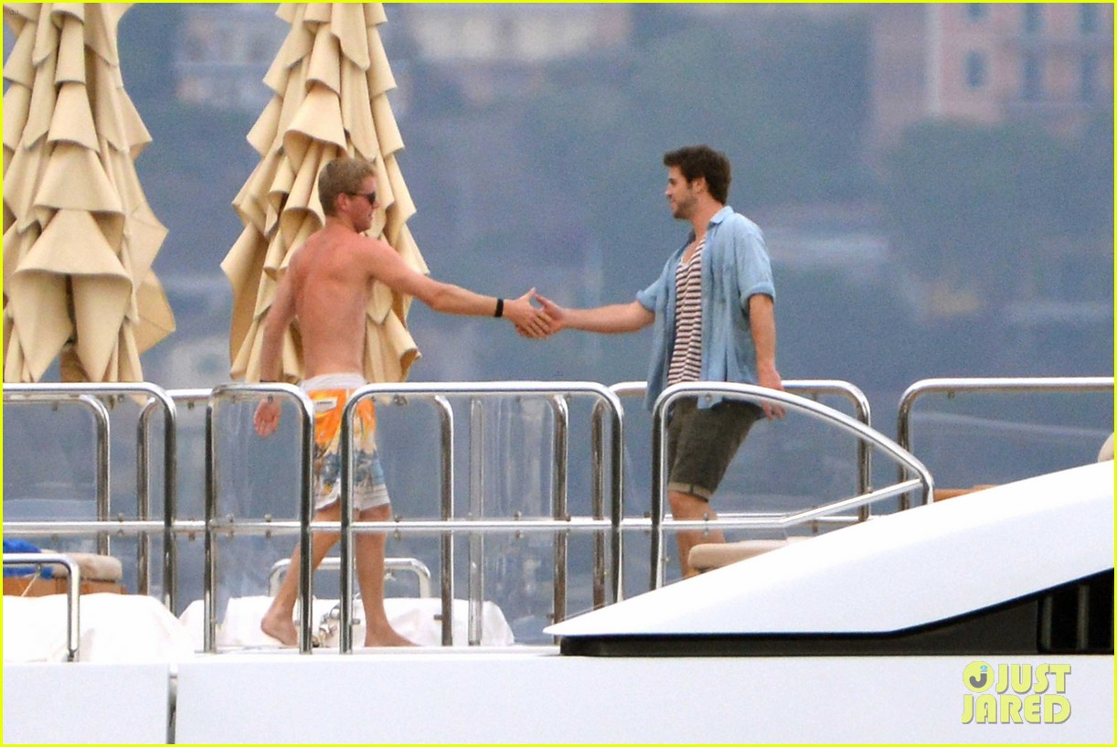 liam hemsworth takes a vacation in portofino 28