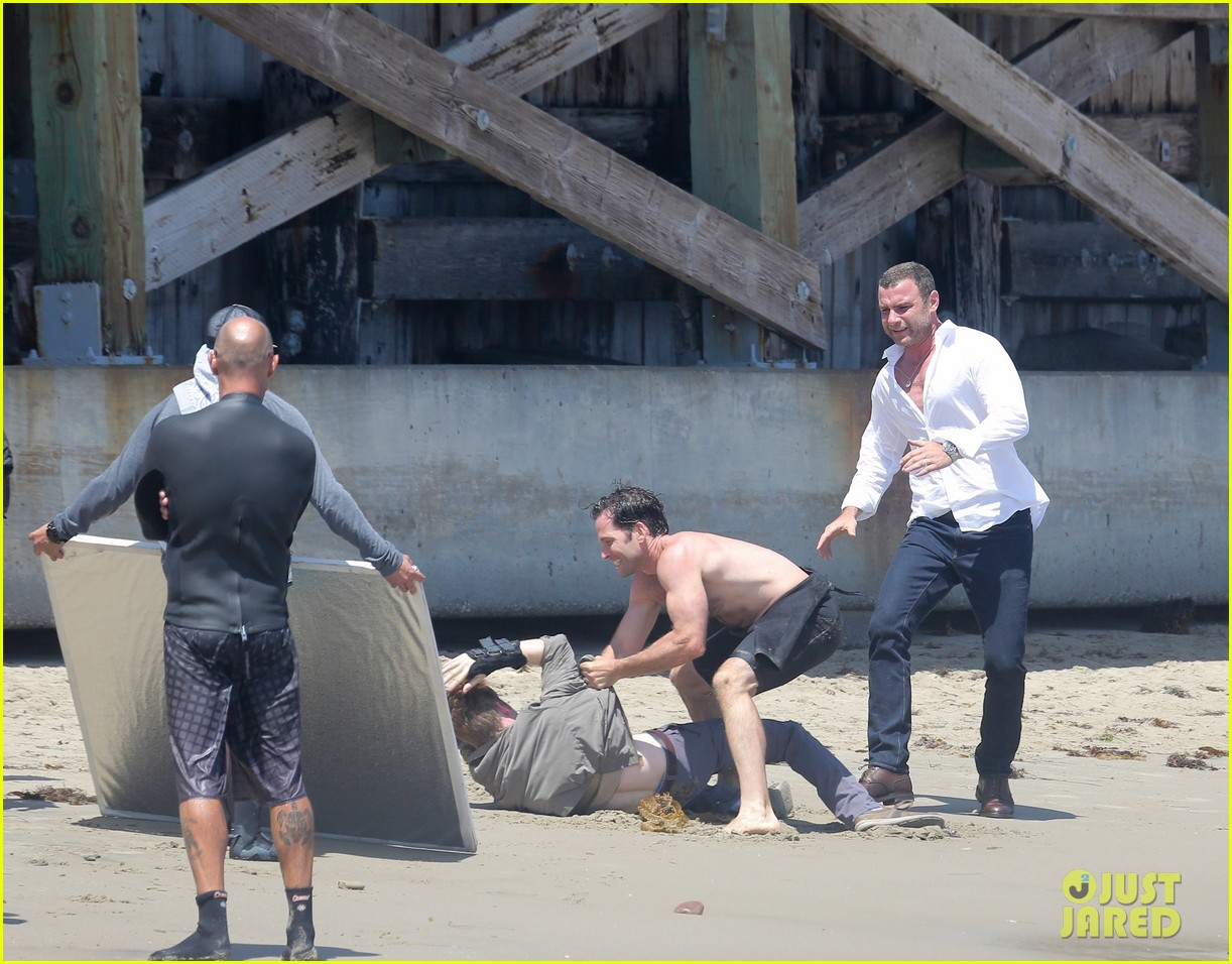 liev schreiber privacy out window naomi watts 073145944