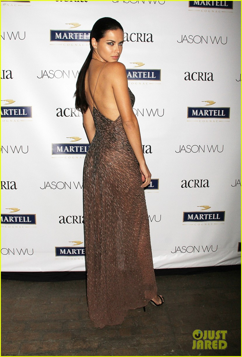 adriana lima jaime king represent jason wu at young friends of acria summer soiree 01