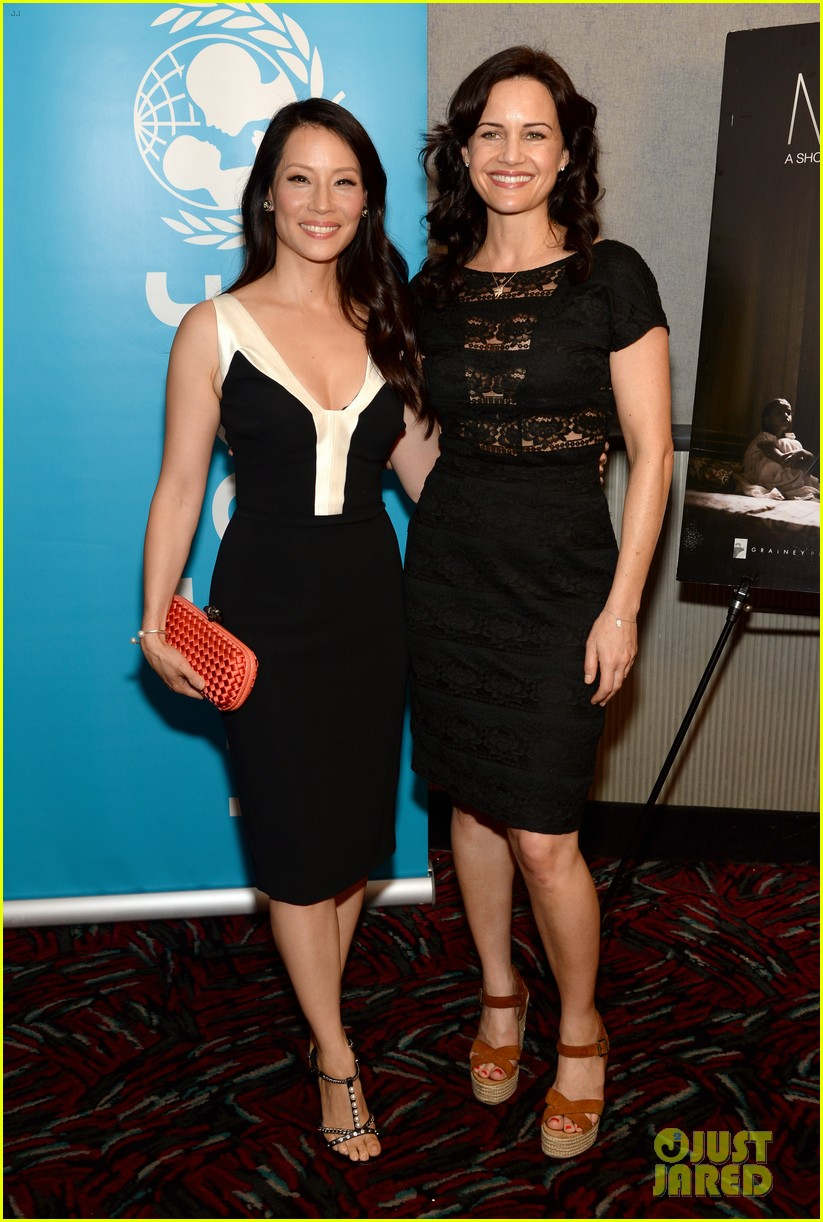 lucy liu gets support from carla gugino at her meena premiere 01