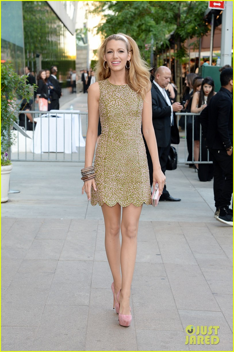 blake lively brings fashion a game to cfda awards 05