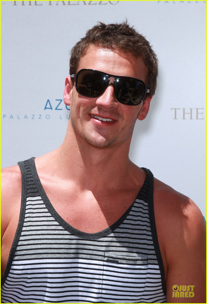 ryan lochte hosts bachelor party in las vegas 083131003