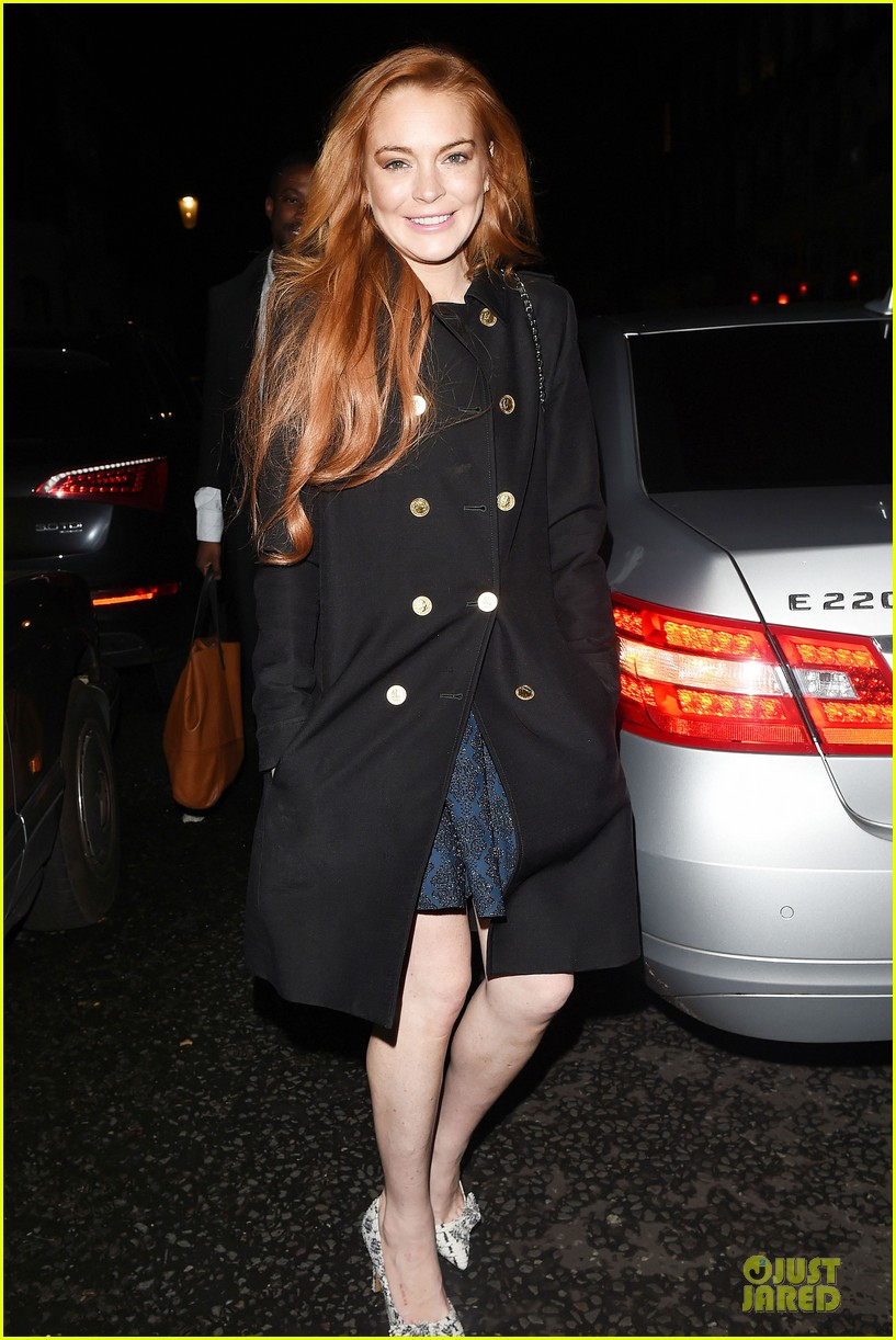 lindsay lohan change it up for dinner 13