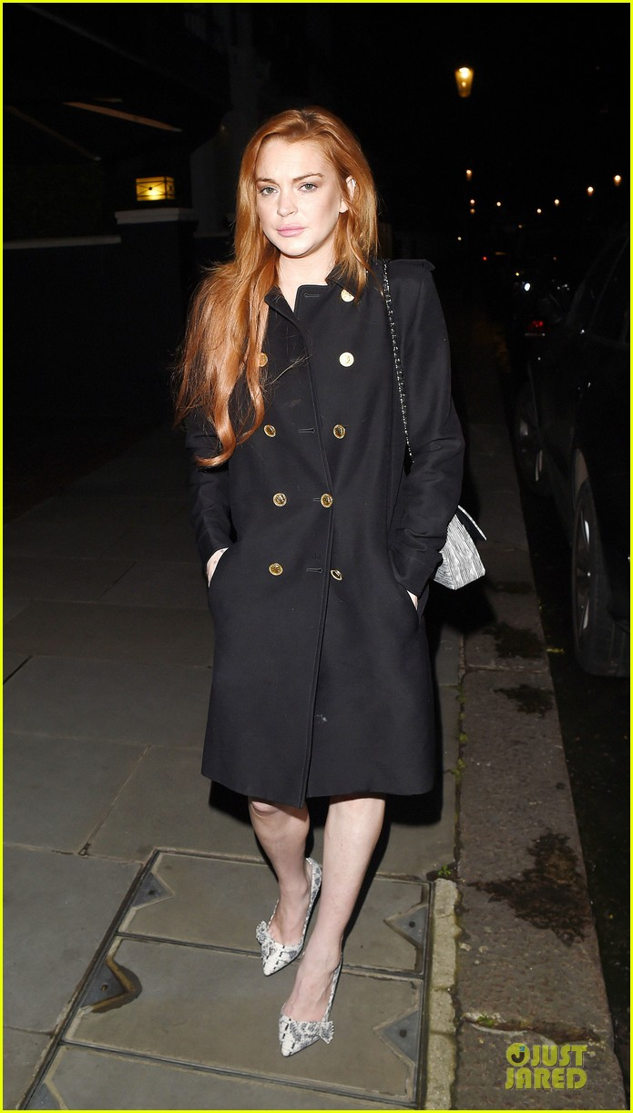 lindsay lohan change it up for dinner 17