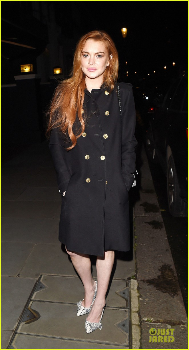 lindsay lohan change it up for dinner 18