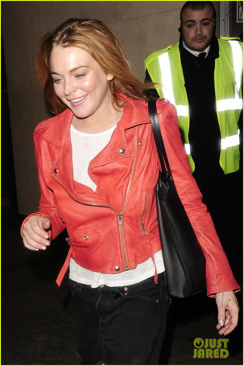 lindsay lohan is looking happier more refreshed than ever 08