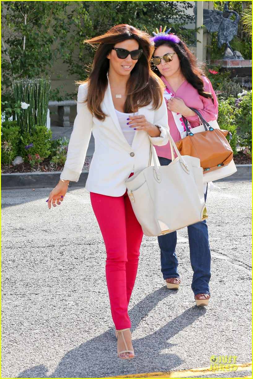 eva longoria pampers sister lucky for birthday 03