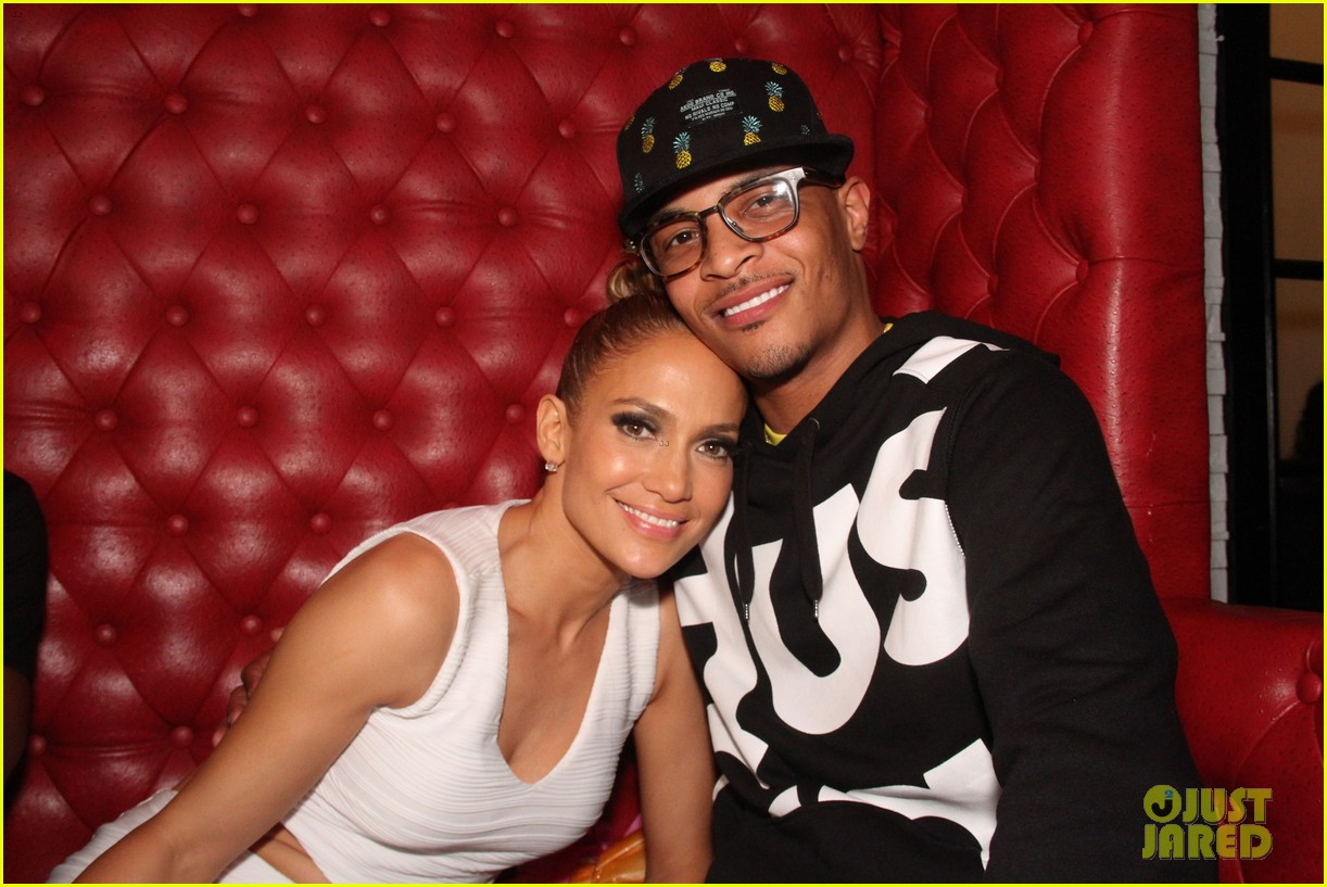jennifer lopez celebrates her hometown concert with ti 04