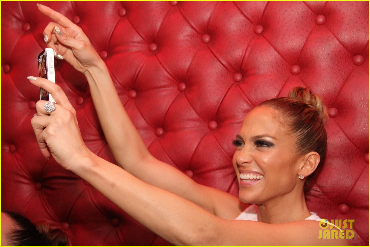 jennifer lopez celebrates her hometown concert with ti 20
