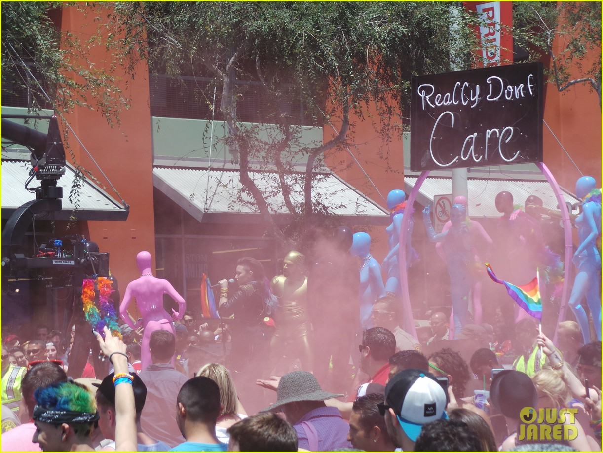 demi lovato really dont care music video shoot la pride 2014 11