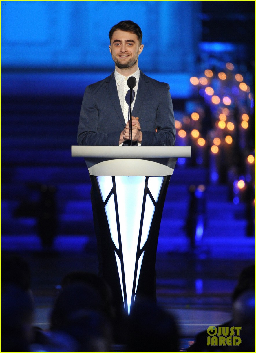 demi lovato joins adam levine daniel radcliffe at logo tvs trailblazers 053142269